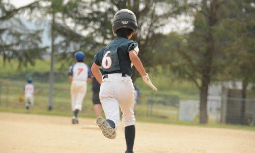 野球少年の写真です